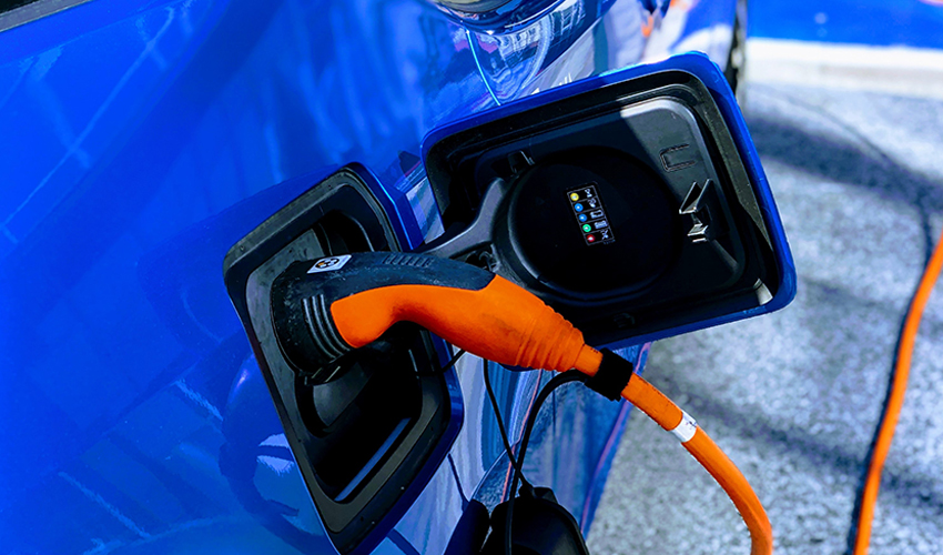 How the Rise in Electric Vehicles Impacts the Semiconductor Industry